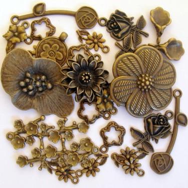 Mix charmuri, pandantive flori