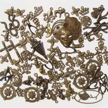Mix charmuri și pandantive bronz